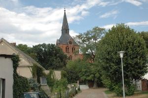 Blick auf die Hakenberger Kirche