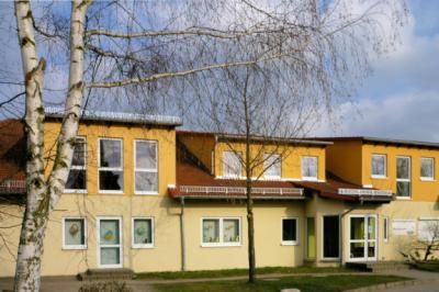 Kita nach Ausbau des Dachgeschosses -  April 2010