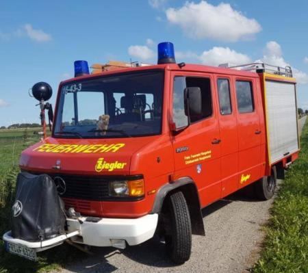 Einsatzfahrzeug LF8-8 der Wehr Neugarmssiel