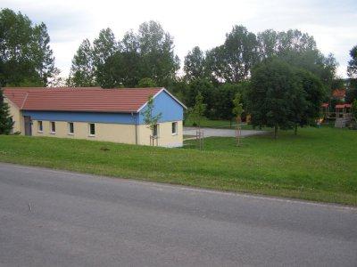 Sportlerheim und Festwiese