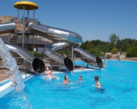 Wasserrutsche im Nichtschwimmerbecken