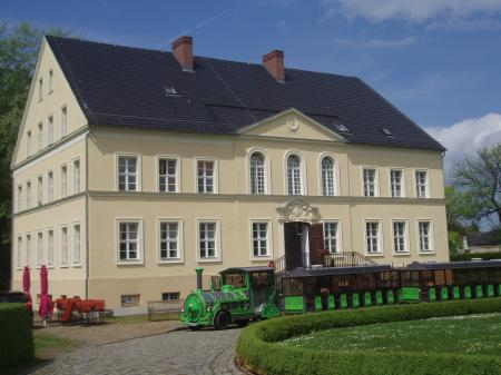Schloss Bomsdorf // Fotograf: Besucherinformation Neuzelle