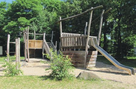 Stolzenhagen Spielplatz Am Steinberg Spielschiff, Foto: Gemeinde Wandlitz