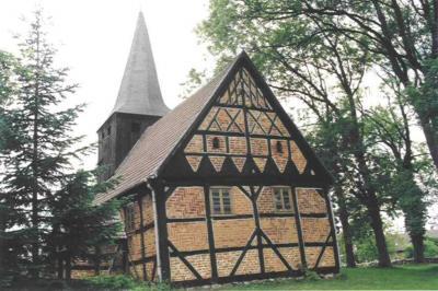 Kirche Tüchen