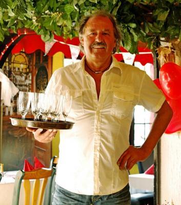 Gastwirt Werner Huhn - mehr als 45 Jahre im Dienste der Gäste!