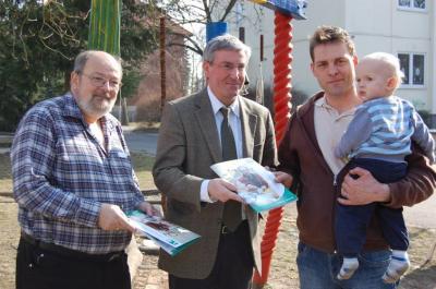 Foto zu Meldung: Stadt Falkensee bringt neue Familienbroschüre heraus