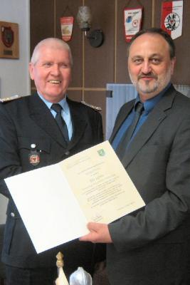 Foto zur Meldung: 50 Jahre im Dienste der Feuerwehr - Kameraden Harald Christ und Dietrich Neumann geehrt