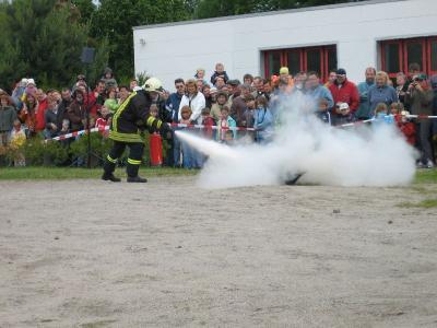 Foto zur Meldung: Die Arbeit der Kameraden hautnah erleben - Tag der offenen Tür bei der Freiwilligen Feuerwehr Falkensee am Pfingstsonntag, 23. Mai 2010