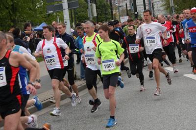 Foto zur Meldung: SC LAAGE mischte beim City Lauf  in Rostock gut mit