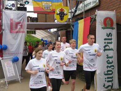 Foto zur Meldung: Prominente beim Lauf
