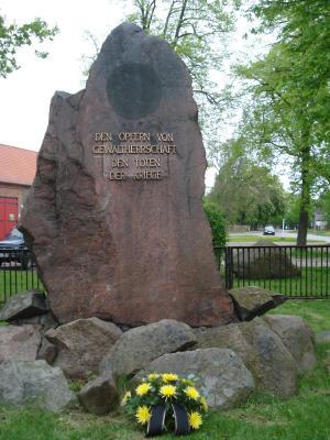 Foto zur Meldung: Gedenken in Heinersdorf