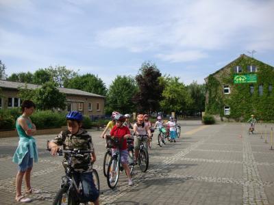 Foto zur Meldung: Radfahrausbildung in Klasse 4