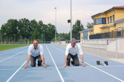 Foto zu Meldung: In Höchstform – sechsspurige Laufbahn, Wurf- und Sprunganlagen im Sportpark Rosenstraße bieten ab sofort beste Bedingungen für Athleten