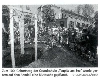 Foto zur Meldung: Artikel zur Baumpflanzung annlässlich des 100. Geburtstages unserer Schule