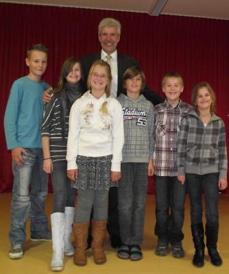 Foto zur Meldung: Bildungsminister Herr Rupprecht in unserer Schule