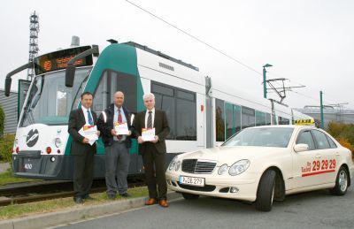 Foto zur Meldung: Vereinbarung über Taxi-Ersatzverkehr unterzeichnet - Taxis künftig als Soforthilfe bei Tram-Störungen im Einsatz