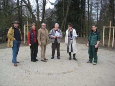 Foto zur Meldung: Baustellenbesichtigung Dorfplatz Grünberg