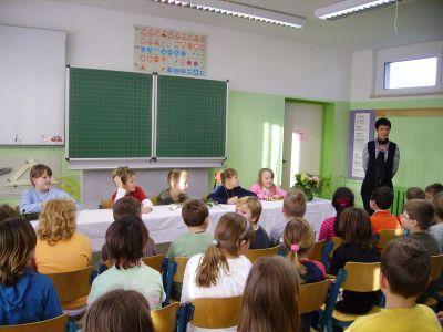 Foto zur Meldung: Weihnachtlicher Vorlesewettbewerb an der Grundschule