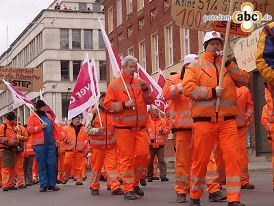 Foto zur Meldung: Warnschuss an kommunale Arbeitgeber - ver.di macht Druck