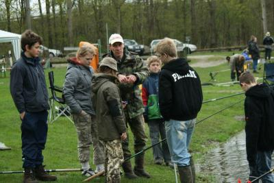 Foto zur Meldung: Kinder- und Jugend des AV Panketal e.V. angelte am Staubecken