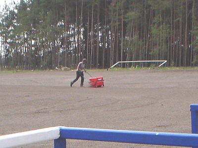 Foto zur Meldung: Sanierungsarbeiten auf dem Sportplatz Hasenfelde