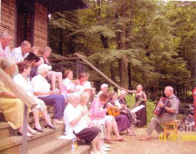Foto zu Meldung: Volksmusikabend im Schlosspark Steinhöfel