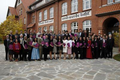 Foto zur Meldung: Theologische Hochschule Friedensau graduierte 54 Absolventen