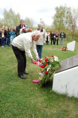 Foto zur Meldung: Ein Ort der Begegnung-100 norwegische Jugendliche treffen sich im Geschichtspark mit deutschen Jugendlichen