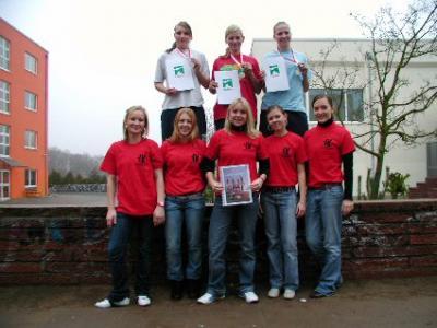 Foto zur Meldung: Sportehrungen für die Sportlerinnen der Kantschule
