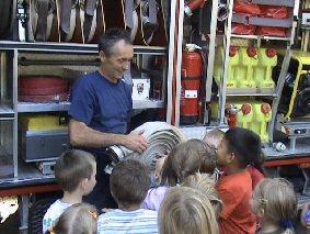 Foto zur Meldung: Brandschutzerziehung und Feuerwehr hautnah