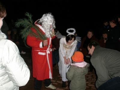 Foto zur Meldung: Kleiner….. aber gemütlicher Weihnachtsmarkt am und im JC Schilda