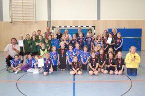 Foto zur Meldung: Handballerinnen der Diesterweg Schule machten das Rennen