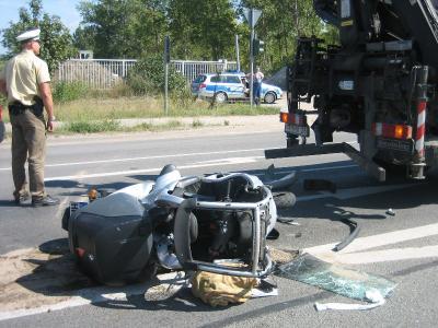 Foto zur Meldung: Feuerwehr sicherte Unfallstelle