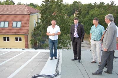 Foto zur Meldung: Die Sonne schickt keine Rechnung - Solaranlage auf dem Dach der neuen Lessing-Sporthalle startet in der nächsten Woche