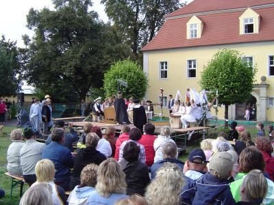 Foto zur Meldung: Eine ganze Schule spielt Theater