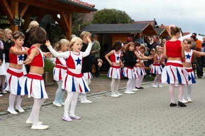 Foto zur Meldung: Die Tanzgruppe in Aktion