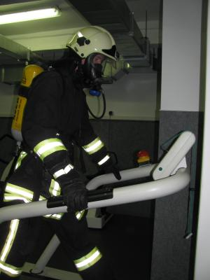 Vorschaubild zur Meldung: Ausbildung in der Atemschutzübungsstrecke