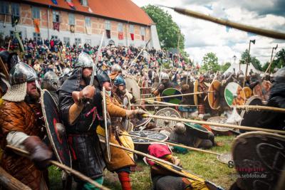 Vorschaubild zur Meldung: 21. Burgfest Neustadt-Glewe  von Freitag, 7. Juni 2013 bis Sonntag, 9. Juni 2013