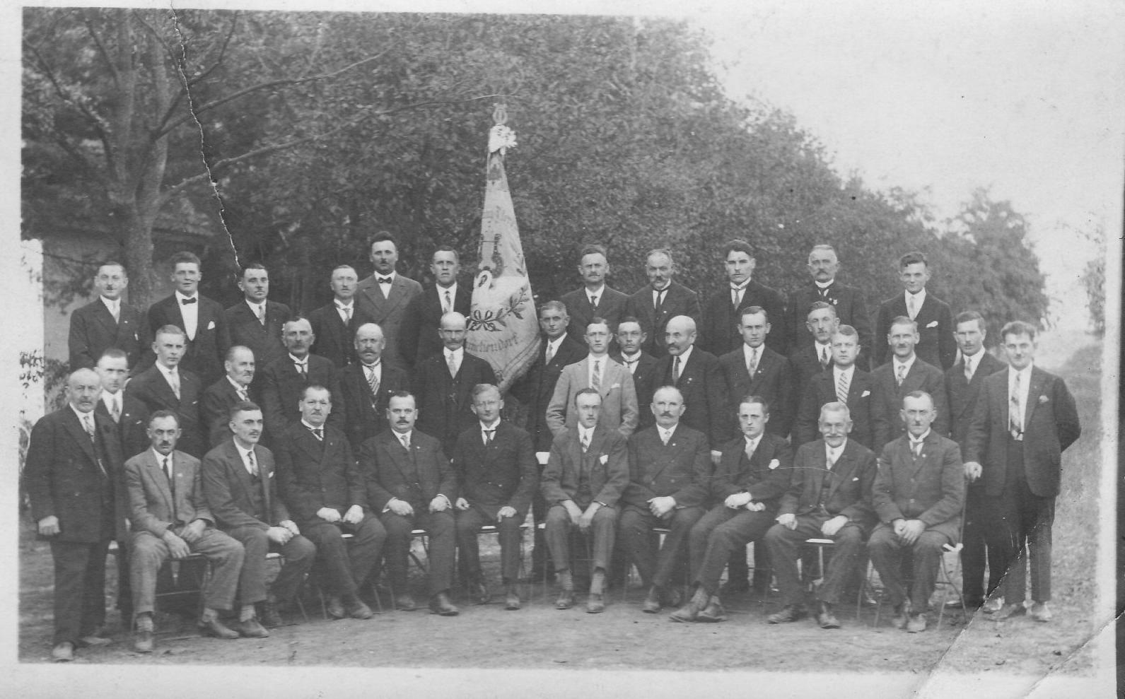 Männerchor Frohsinn im Jahre 1930 gegründet  1891