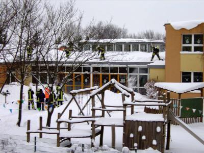 Foto zur Meldung: Winterfreuden und Schneebewältigung