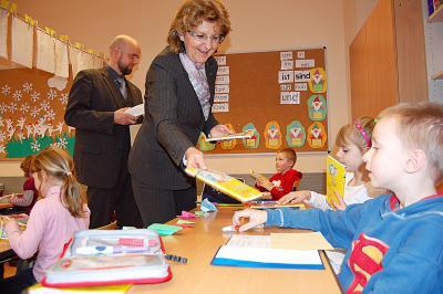 Foto zur Meldung: Rotary-Club Lübben-Spreewald unterstützt Leseprojekt an Calauer Grundschule