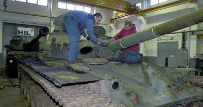Werk Doberlug-Kirchhain übergibt Panzer an Militärhistorisches Museum in Dresden