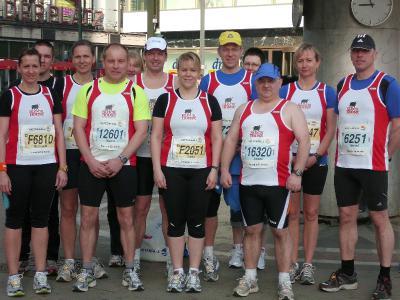 Foto zur Meldung: 31.Berliner Halbmarathon - für 10 Laager Clubläufer ein Erlebnis