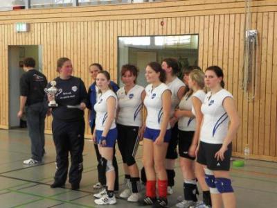 Foto zur Meldung: Volleyball-Damen von Heinersdorf holen zum dritten Mal in Folge die Meisterschaft und den Pokal