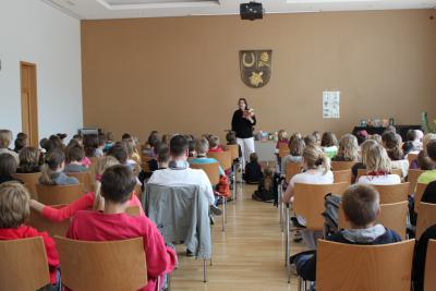 Bild der Meldung: Hochspannung im Gemeindesaal
