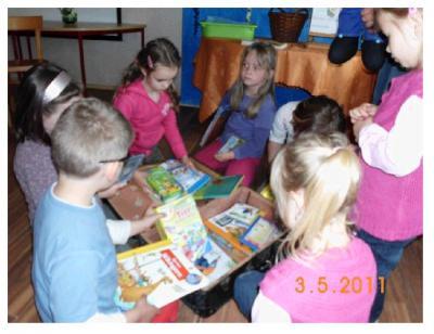 Foto zur Meldung: Lesekoffer in der Integrationskindertagesstätte