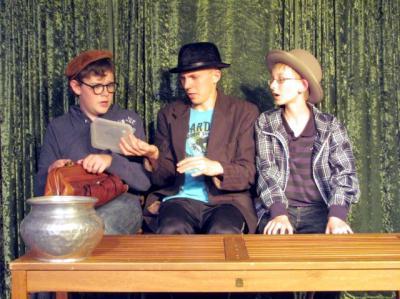 Foto zur Meldung: Die Olsenbande lebt! Kinder und Jugendliche proben für 12. Kalimandscharo-Festspiele Zielitz