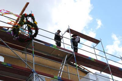 Bild der Meldung: Richtfest am Hönower Weg