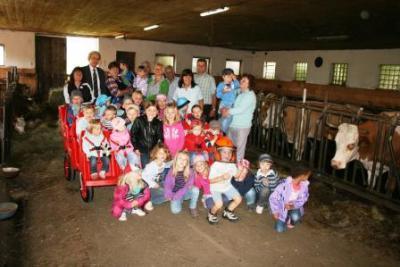 Foto zur Meldung: Kindertag des Bauernverbandes - Beginn in Brand