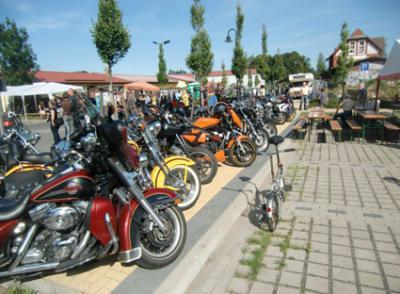 Foto zu Meldung: Bikertreffen 2011 in Rehfelde war ein echtes Fest